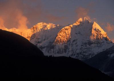 VG004 Alpenglow,Kasum Kanguru, Khumbu Himalaya, Nepal